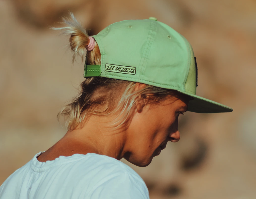 5 Handy Beginner Tips: How to Stretch a Hat | Delusion MFG